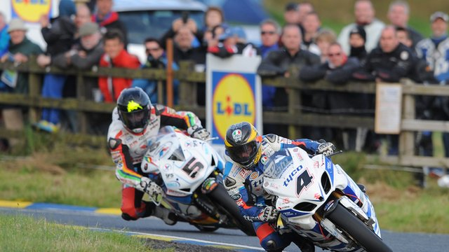 Guy Martin ahead of Bruce Anstey in the Dundrod 150