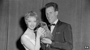 Jeannie Carson and Bruce Forsyth on Sunday Night at the London Palladium