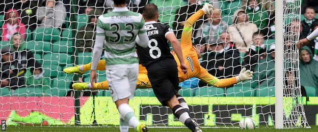 John Rankin scores for Dundee United against Celtic