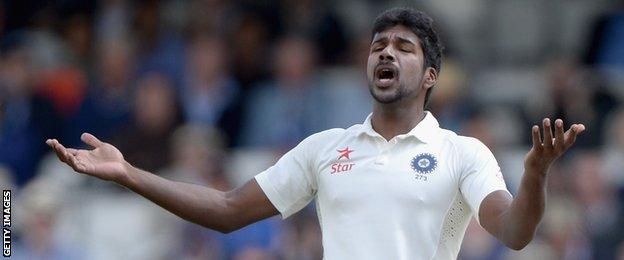 India's Varun Aaron