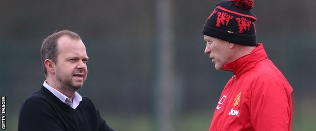 Manchester United vice-chairman Edward Woodward (left) and David Moyes