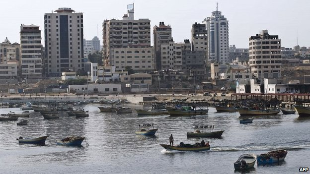 Fishing boats leaving Gaza City's harbour - 18 August 2014