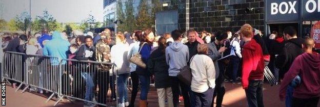 MK Dons fans