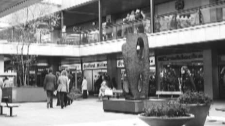 Archive photo of Barbara Hepworth sculpture in Wolverhampton