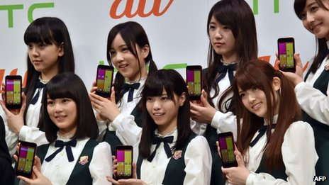 Members of Japanese pop group Nogizaka 4