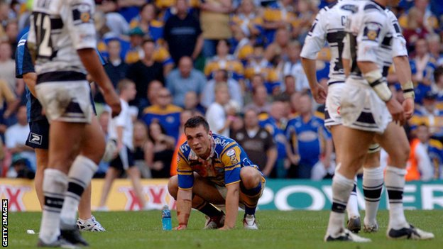 Kevin Sinfield after Hull snatch victory in the 2005 Challenge Cup final