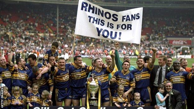Leeds celebrate the 1999 Challenge Cup final triumph