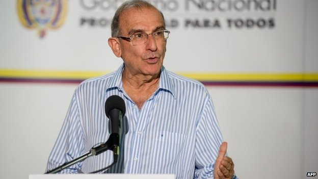 The head of the Colombian government delegation, Humberto de la Calle, at a news conference in Havana. 22/08/2014