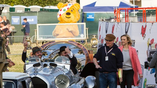 Chas and Dave with Chris Evans, Fearne Cotton and Pudsey