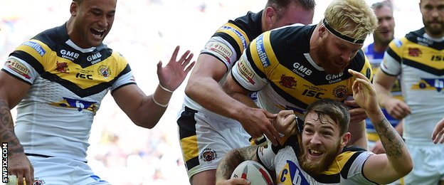 Daryl Clark grabs Castleford first try