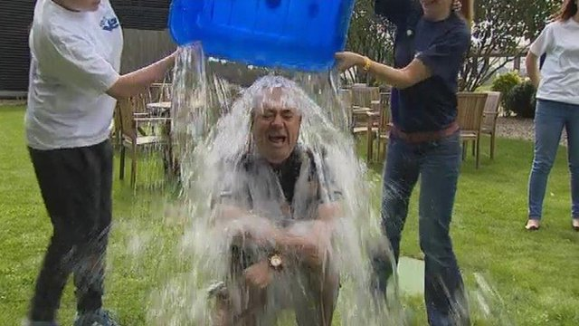 Alex Salmond does ice bucket challenge