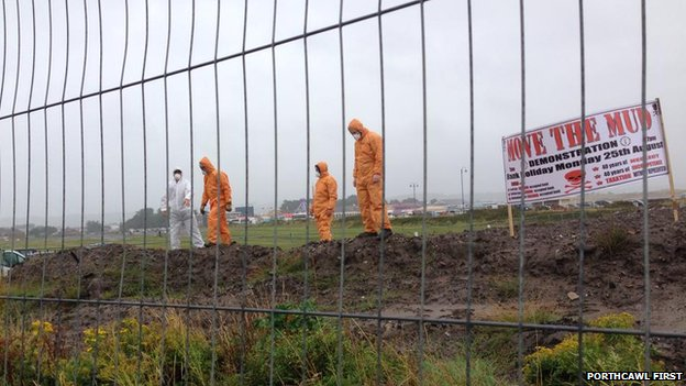 Campaigners protest against dumped mud in Porthcawl