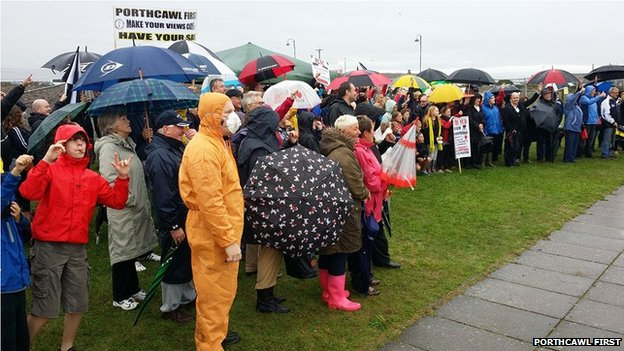 Protest about dumped mud in Porthcawl