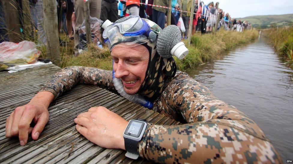 Llanwrtyd Wells bog snorkelling championships 2014 - Simon Reynolds