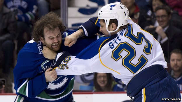Chris Stewart of the Buffalo Sabres previously played for the St Louis Blues (right)
