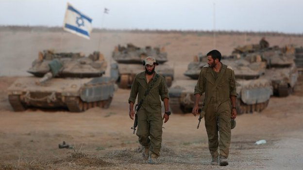 Israeli soldiers near the frontier with Gaza (24 August 2014)