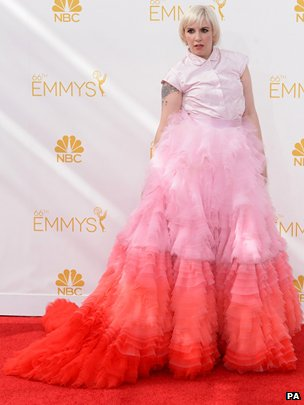 Lena Dunham arriving at the Emmy Awards 2014