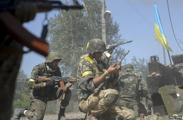 Ukrainian soldiers fighting in Ilovaisk, 27 August