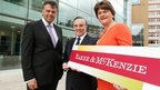 Arlene Foster with DETI and company officials