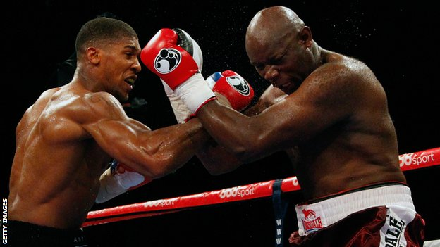 Anthony Joshua faces Matt Skelton