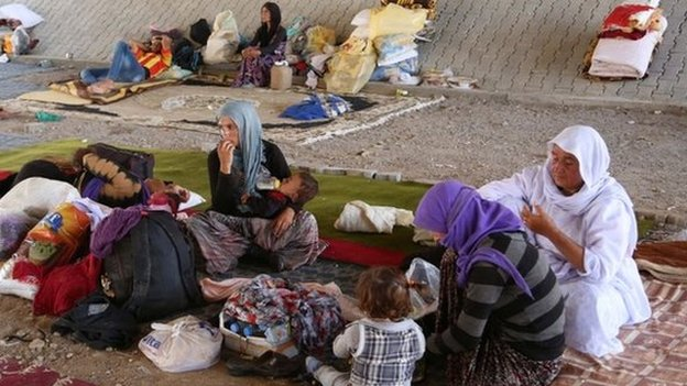 A camp for 20,000 displaced Iraqis is to be set up near Dahuk