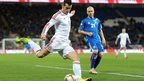 Gareth Bale crosses the ball