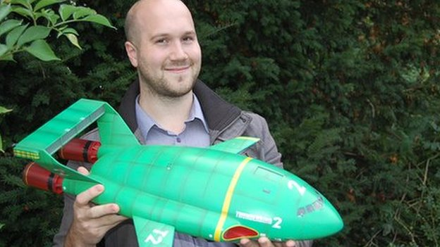 Jamie Anderson with Thunderbirds 2 model