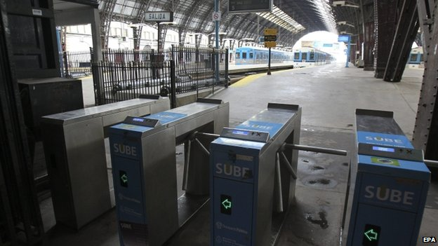 Empty platforms at Buenos Aires central rail station, Retiro, during Thursday's general strike
