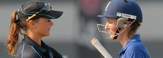 New Zealand's Suzie Bates and England's Charlotte Edwards