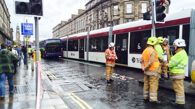 edinburgh tram and bus crash