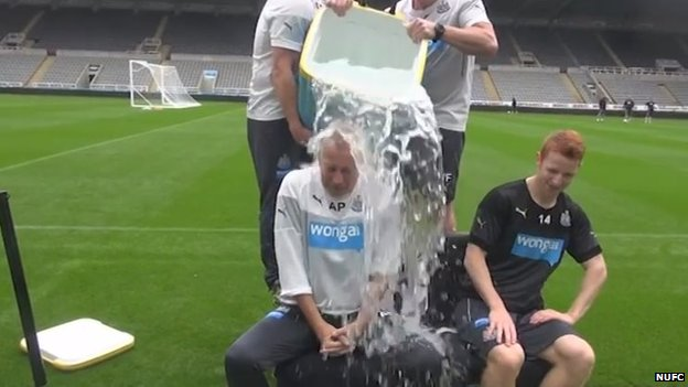 Alan Pardew and Jack Colback take part in the Ice Bucket Challenge