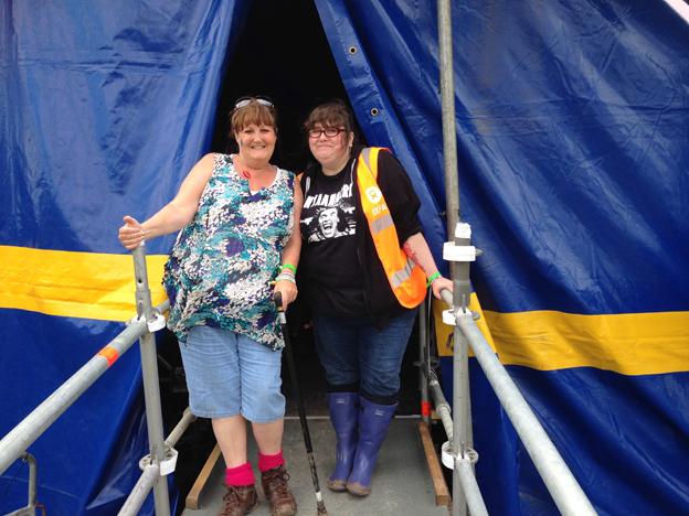 Liz and a fellow festival-goer