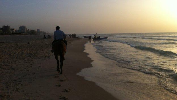 Gaza beach - Jon Donnison