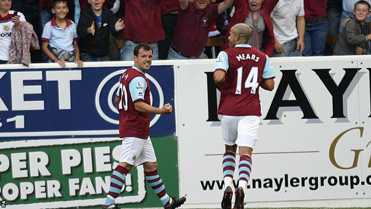 Robbie Blake celebrates after scoring against Manchester United for Burnley