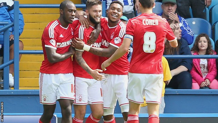 Henri Lansbury celebrates with his Nottingham Forest team-mates