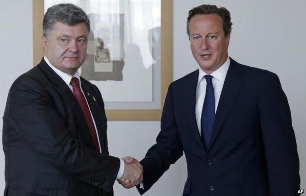 Petro Poroshenko meets David Cameron in Brussels ahead of the summit