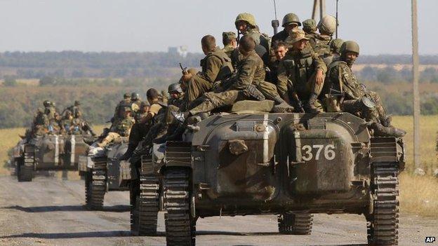 Ukrainian military vehicles in Starobesheve, 30 Aug