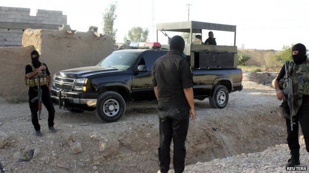 Iraqi militiamen in the village of Bani Wais in Diyala province (22 August 2014)
