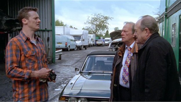 Gerry Standing (Dennis Waterman) and Jack Halford (James Bolam) grill a dodgy scrap dealer in New Tricks