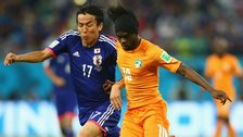 Ivory Coast's Gervinho (right)