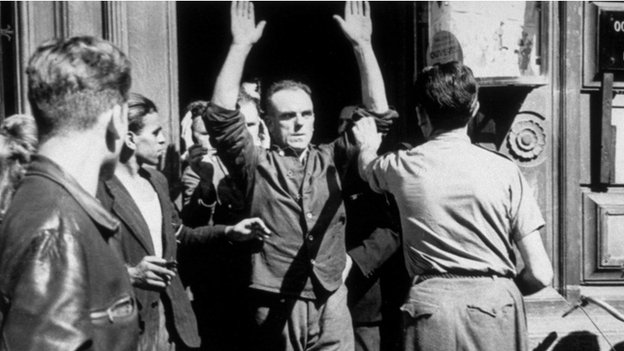 French Resistance clear Germans out of Paris buildings in 1944