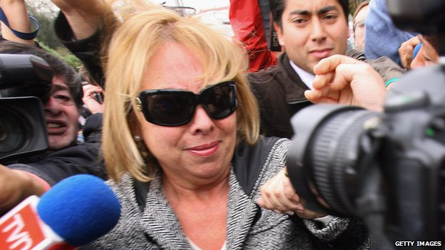 Veronica Pinochet arrives at a police station in Santiago  on 4 October, 2007