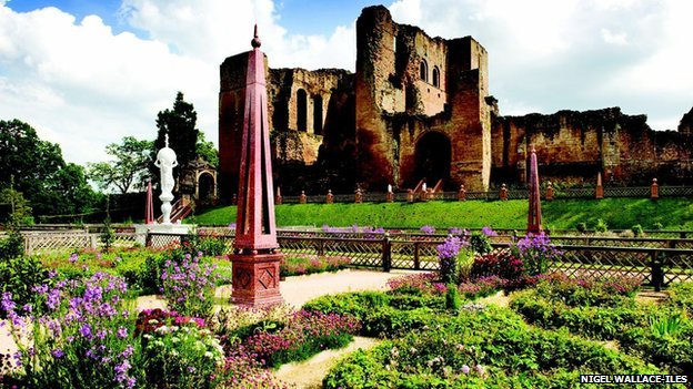 Garden at Kenilworth Castle