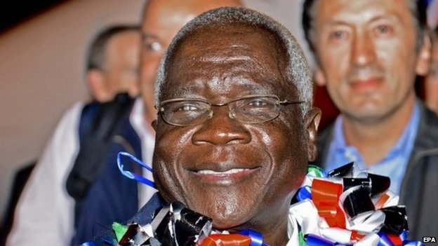 77393920 77393057 Mozambique rivals sign peace deal
