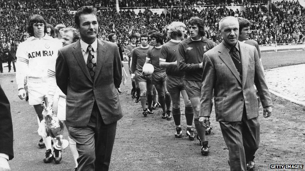 Brian Clough leading out his Leeds team at Wembley