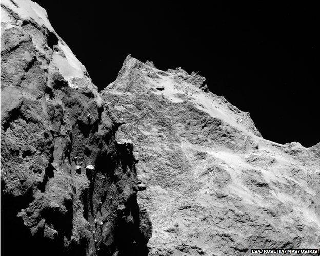 77527285 comet on 5 september 2014 - Rosetta probe & Philae lander approach comet
