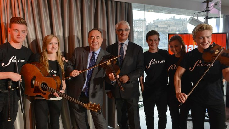 Alex Salmond, Alistair Darling and the Feis Rois ceilidh band