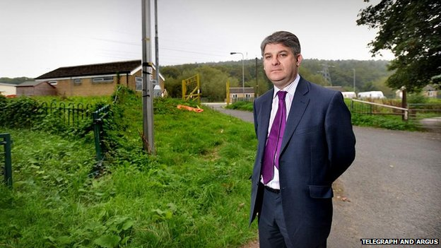 Philip Davies MP at travellers' site