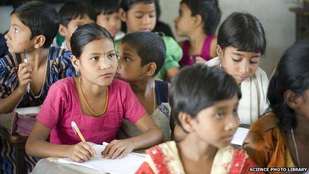 Children in Bangladesh (file photo 2006)