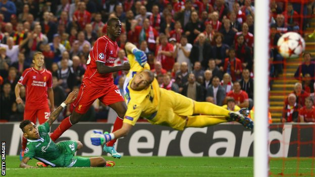 Mario Balotelli scores his first Liverpool goal